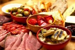 Yποχρεωτική η παροχή πληροφοριών σχετικά με τα αλλεργιογόνα στα μη προσυσκευασμένα τρόφιμα